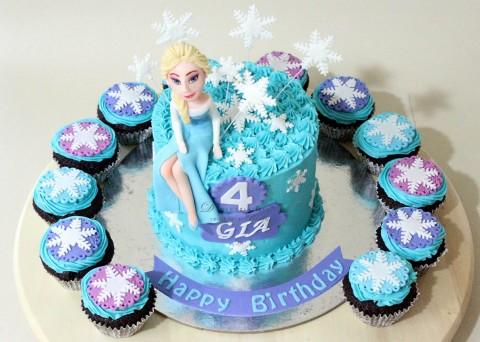 Frozen Theme Cake & Cupcakes