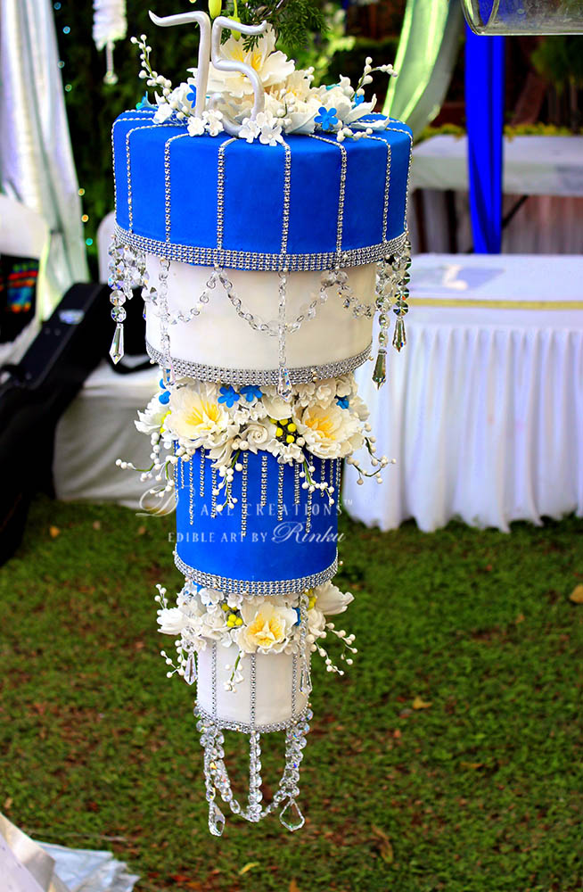 Royal Blue & White Chandelier‬ Cake