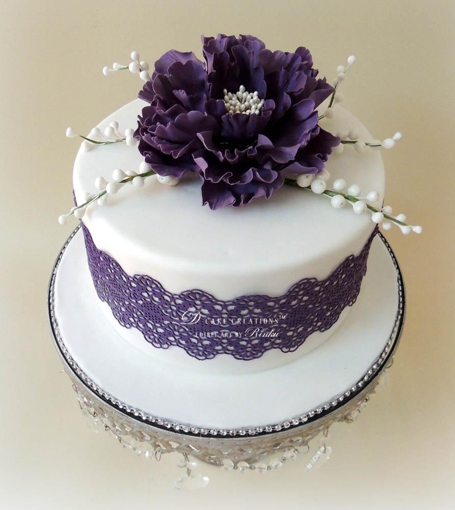 White Cake with Peony